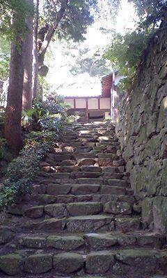 少し山を上がったところにある延寿寺