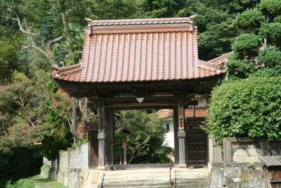 赤瓦のお寺