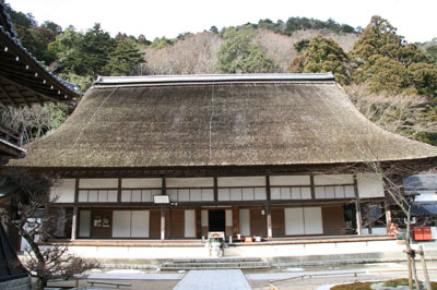 茅葺きの永源寺本堂