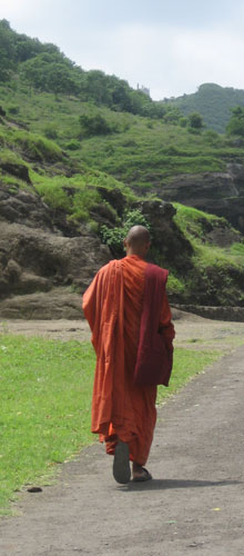 エローラにて_仏教僧?