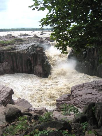 レネアの滝
