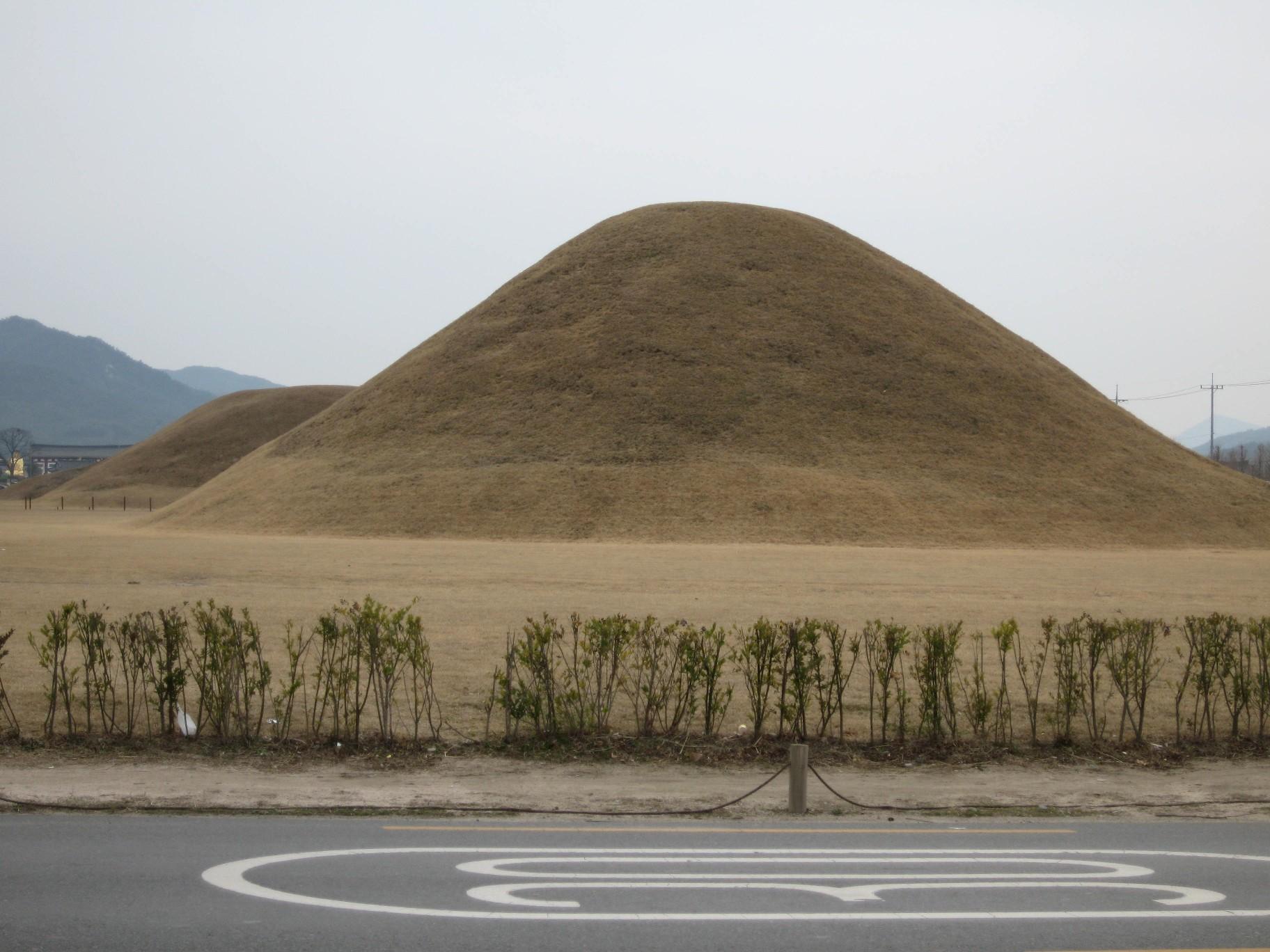慶州の古墳