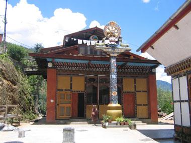 彩色豊かな尼僧院