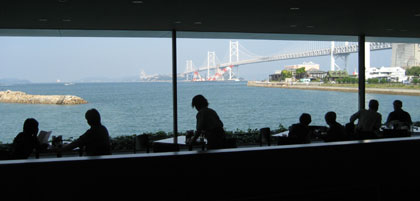 美術館内のカフェ