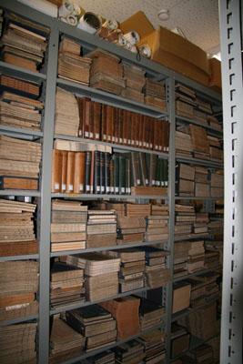 研究所の蔵書1